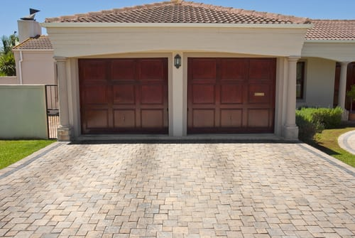 Top Safety Tips You Need to Know About Garage Doors