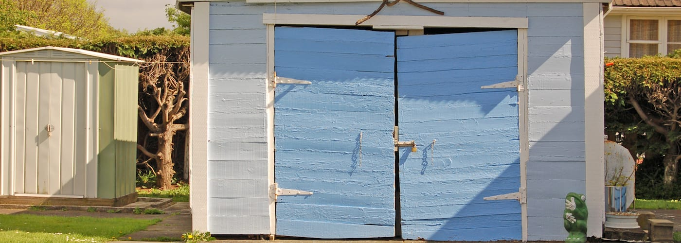 5 Signs You Need to Replace Your Garage Door